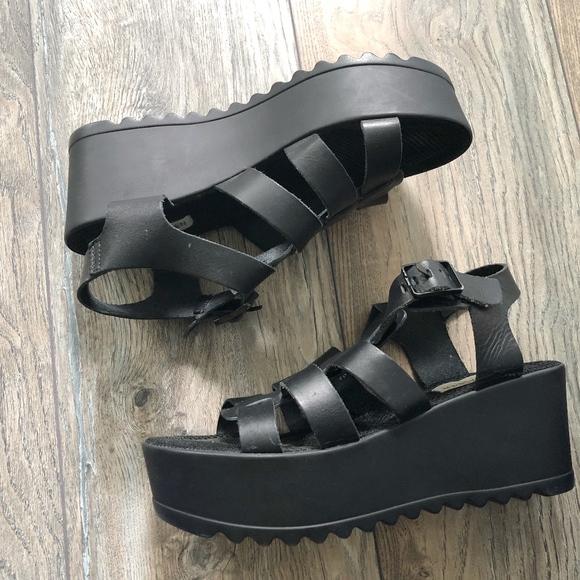 639a51167e19 Steve Madden Size 9 Gladiator Sandals. M 5b5fd1e234a4efdc16eb5ed4